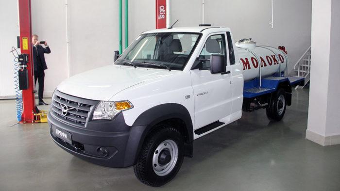 В реализацию поступил грузовой автомобиль УАЗ Профи сцистерной для молока итоплива