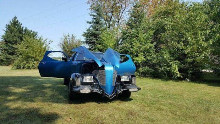 ВСША отыскали автомобиль-Франкенштейн, сделанный из17 машин