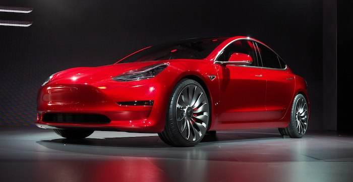 В России стартовал прием заказов на Tesla Model 3. Объявлены цены
