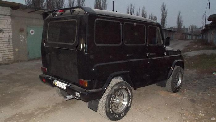 Гражданин Украины превратил вседорожный автомобиль УАЗ-31514 в«Гелендваген»