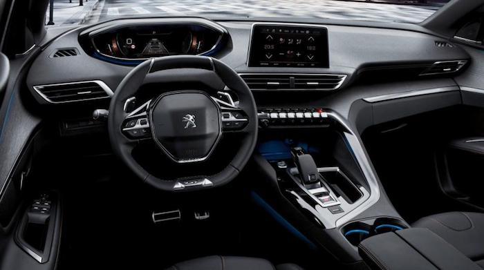 В России стартуют продажи нового кроссовера Peugeot 5008