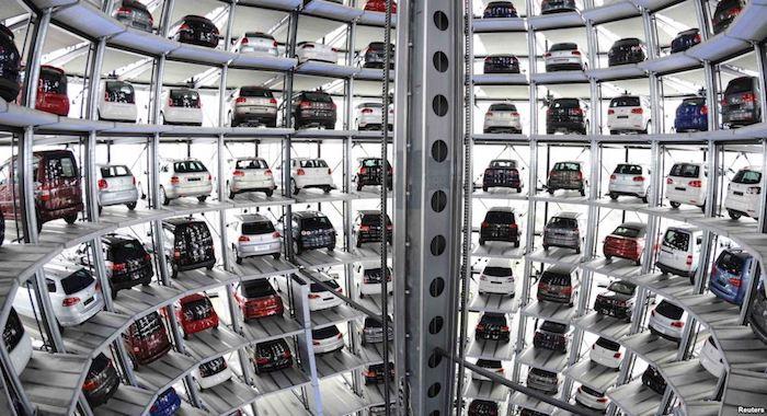 17 компаний изменили цены наавтомобили в РФ