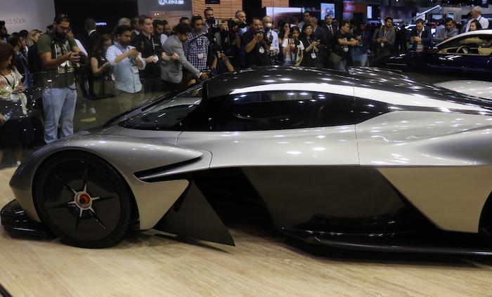 Aston Martin разработает «младшего брата» гиперкара Valkyrie