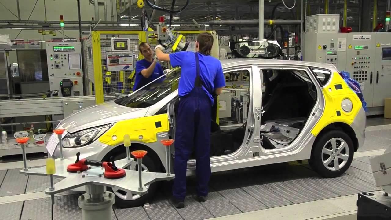 Производство петербургских автозаводов снизилось на9%