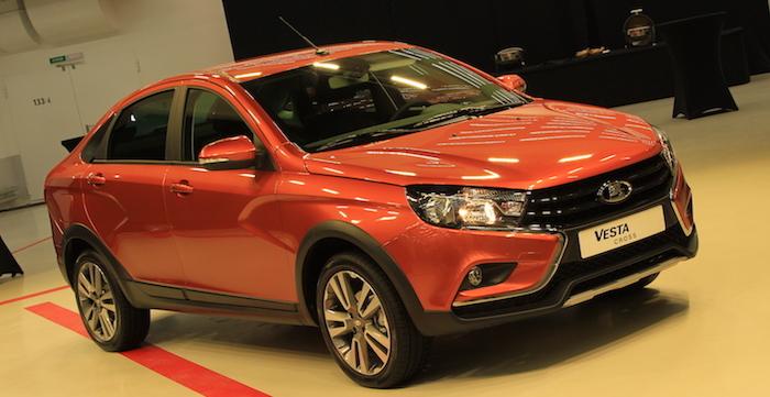 «АвтоВАЗ» представил «внедорожный» седан Лада  Vesta
