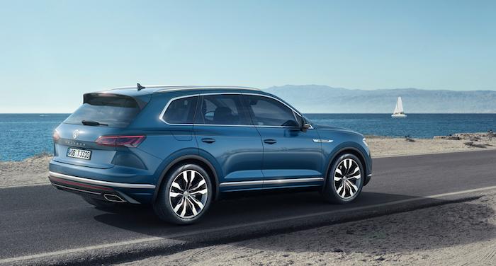 VW назвал цену икомплектации нового Touareg для РФ