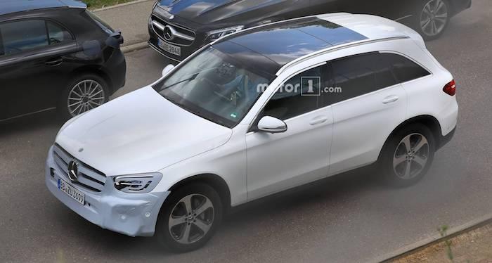 Обновленный кроссовер Mercedes Benz GLC показали