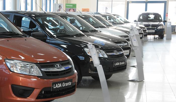 Каждый четвертый продаваемый авто в РФ является отечественным