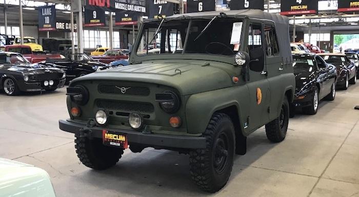 УАЗ-469 ушёл наамериканском аукционе за1 млн. руб.