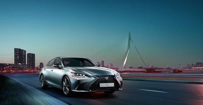 Люксовые седаны Lexus ES поступят в продажу в РФ осенью 2018