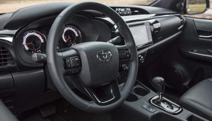 Toyota Hilux Exclusive salon
