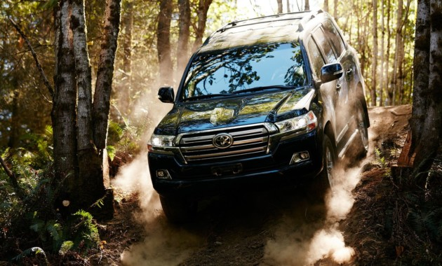 Toyota работает над новым поколением Land Cruiser