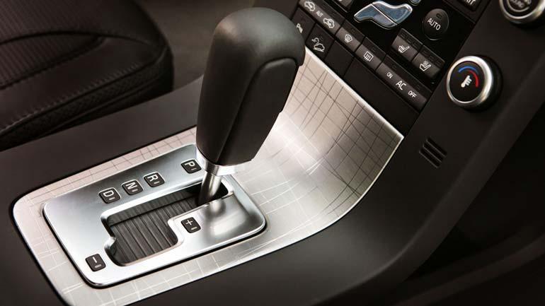 В России выросли продажи автомобилей с автоматом