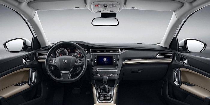 Обновленный седан Peugeot 408 показали на официальных фото