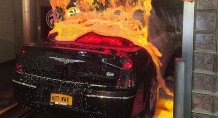 Житель америки помыл автомобиль «раскалённой лавой» иудивил сеть
