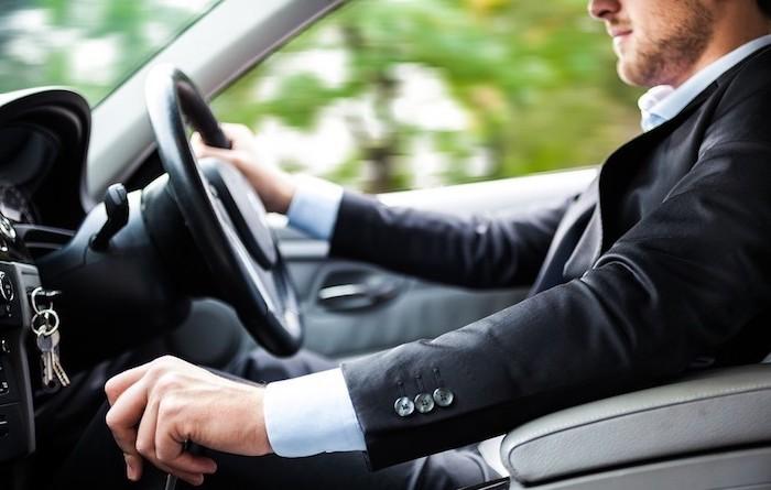 Марка автомобиля не влияет на привлекательность мужчины?