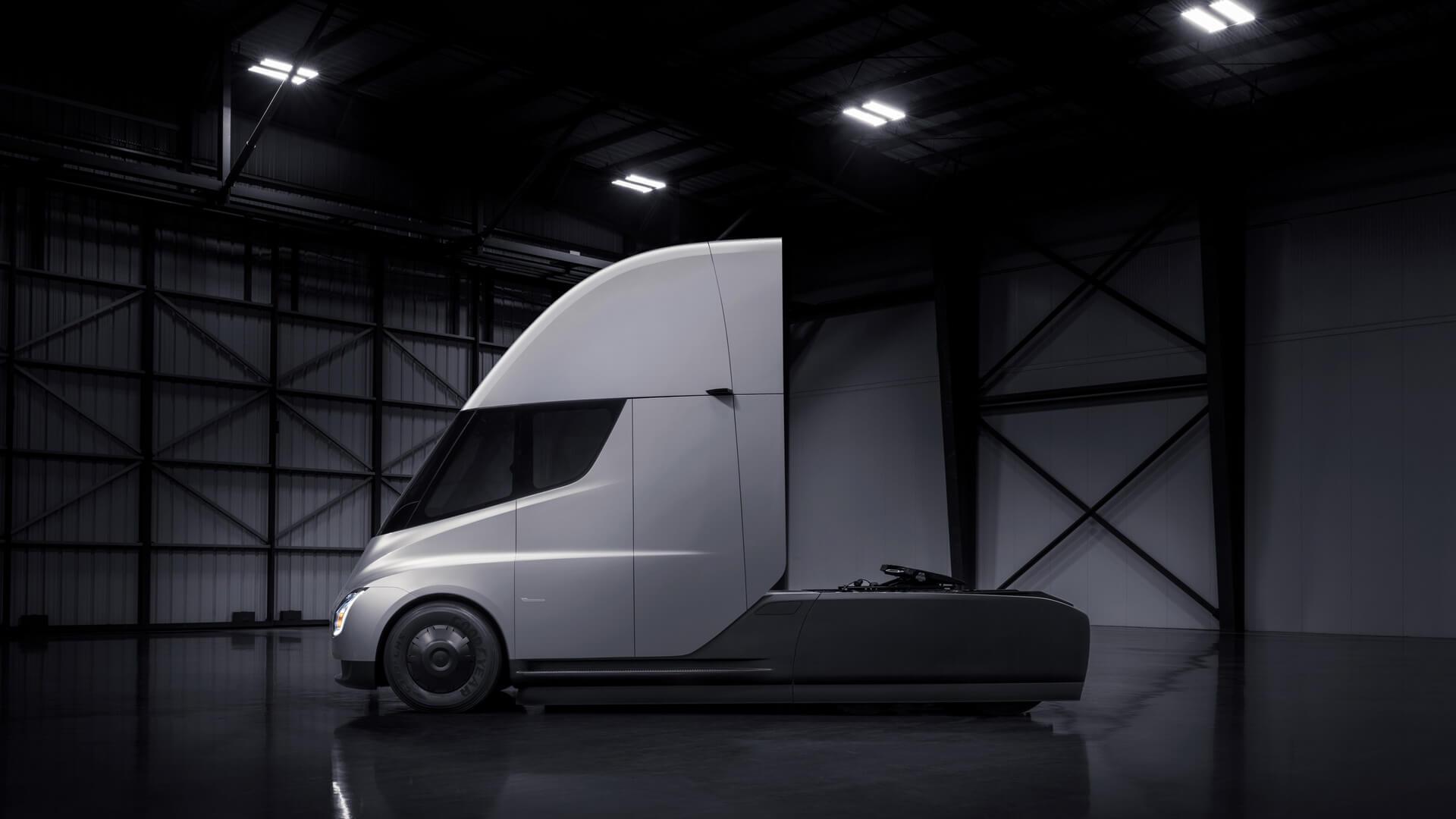 Tesla Semi отправился в путь