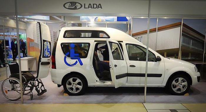 «АвтоВАЗ» показал Lada Largus за миллион рублей