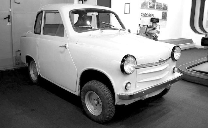 Советский ГАЗ-М18 без педали сцепления, так и не вышедший в продажу