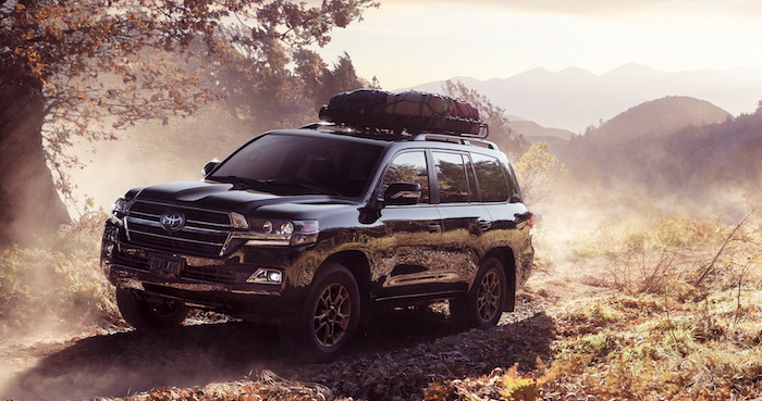 2020-toyota-land-cruiser-01