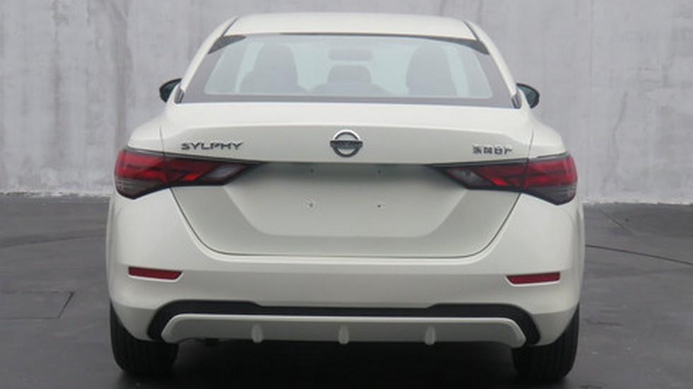 Nissan Sentra 2020 stal krupnee svoego predshestvennika1