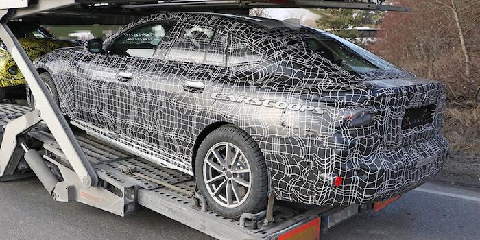 Размещены первые фото «убийцы» Tesla Model Sот БМВ