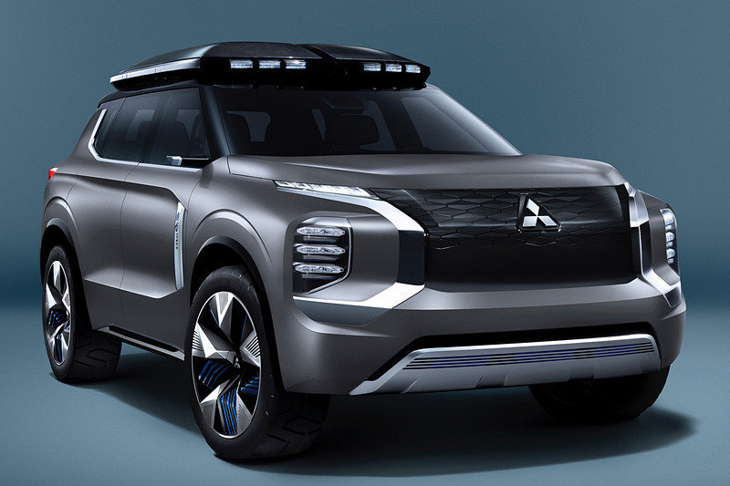 Mitsubishi pokazhet krossover e Yi