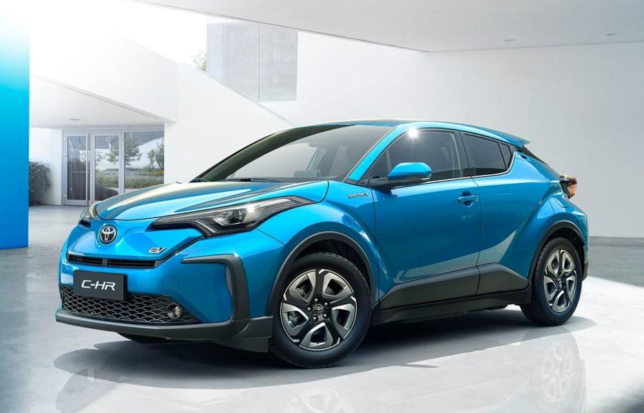Molodyozhnyj parketnik Toyota C HR stal elektromobilem