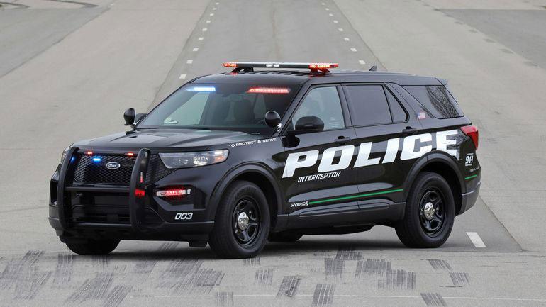 Ford vypustil policzejskuyu versiyu