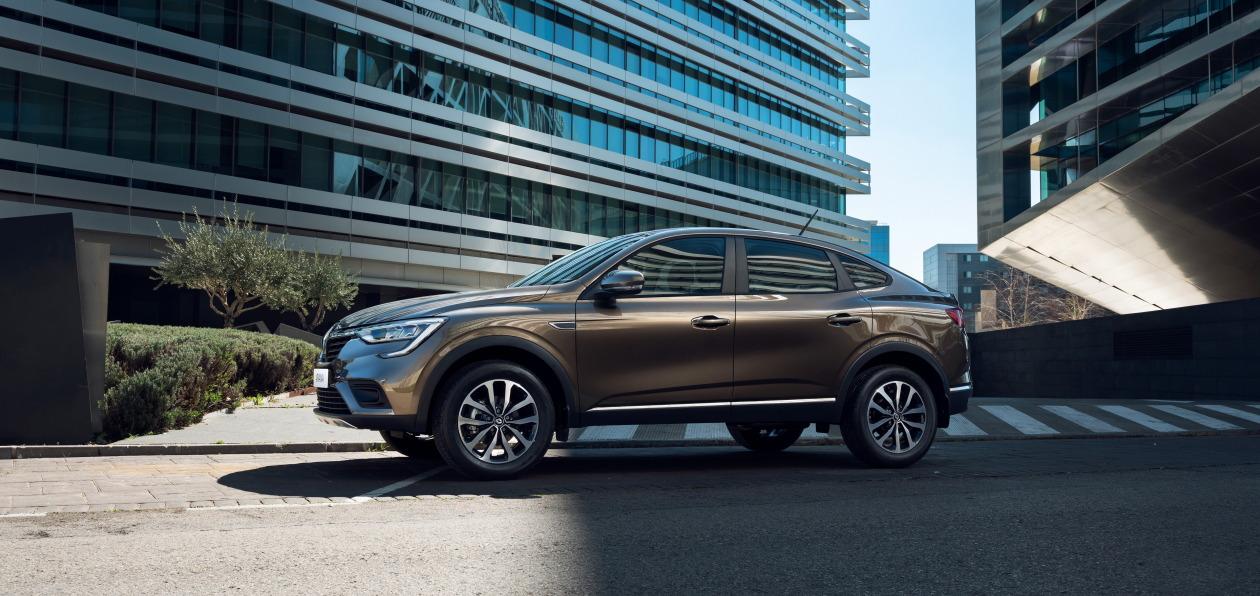Renault Arkana dostupen v novom czvete