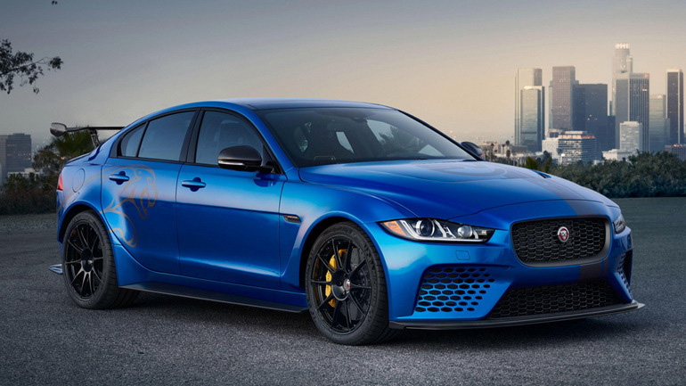 Jaguar predstavil sedan XE SV Project 8 Touring