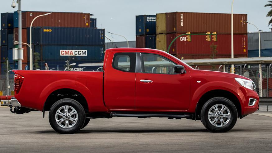 Nissan Navara poluchit novuyu korobku peredach