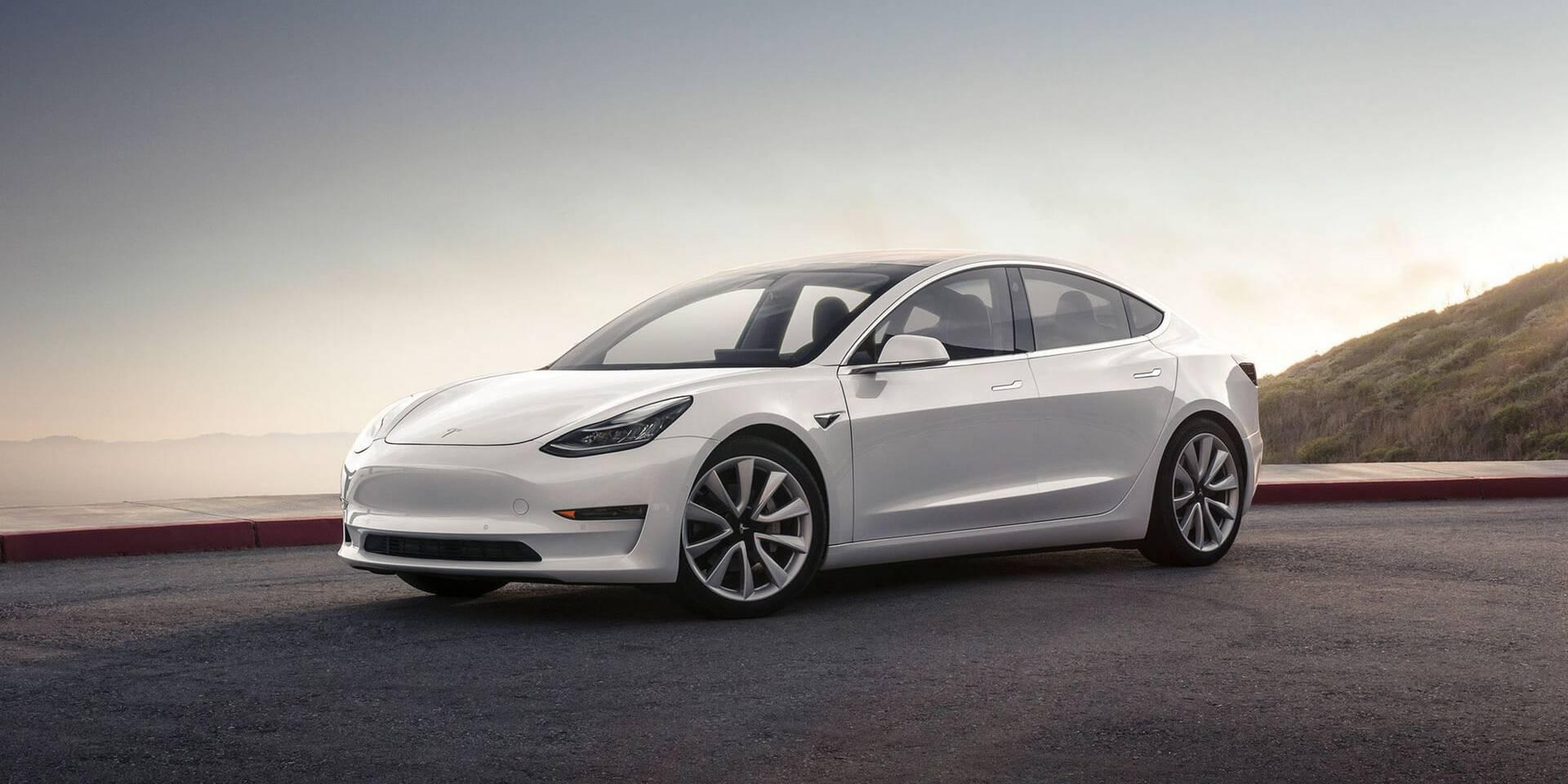 Tesla byot novye rekordy prodazh