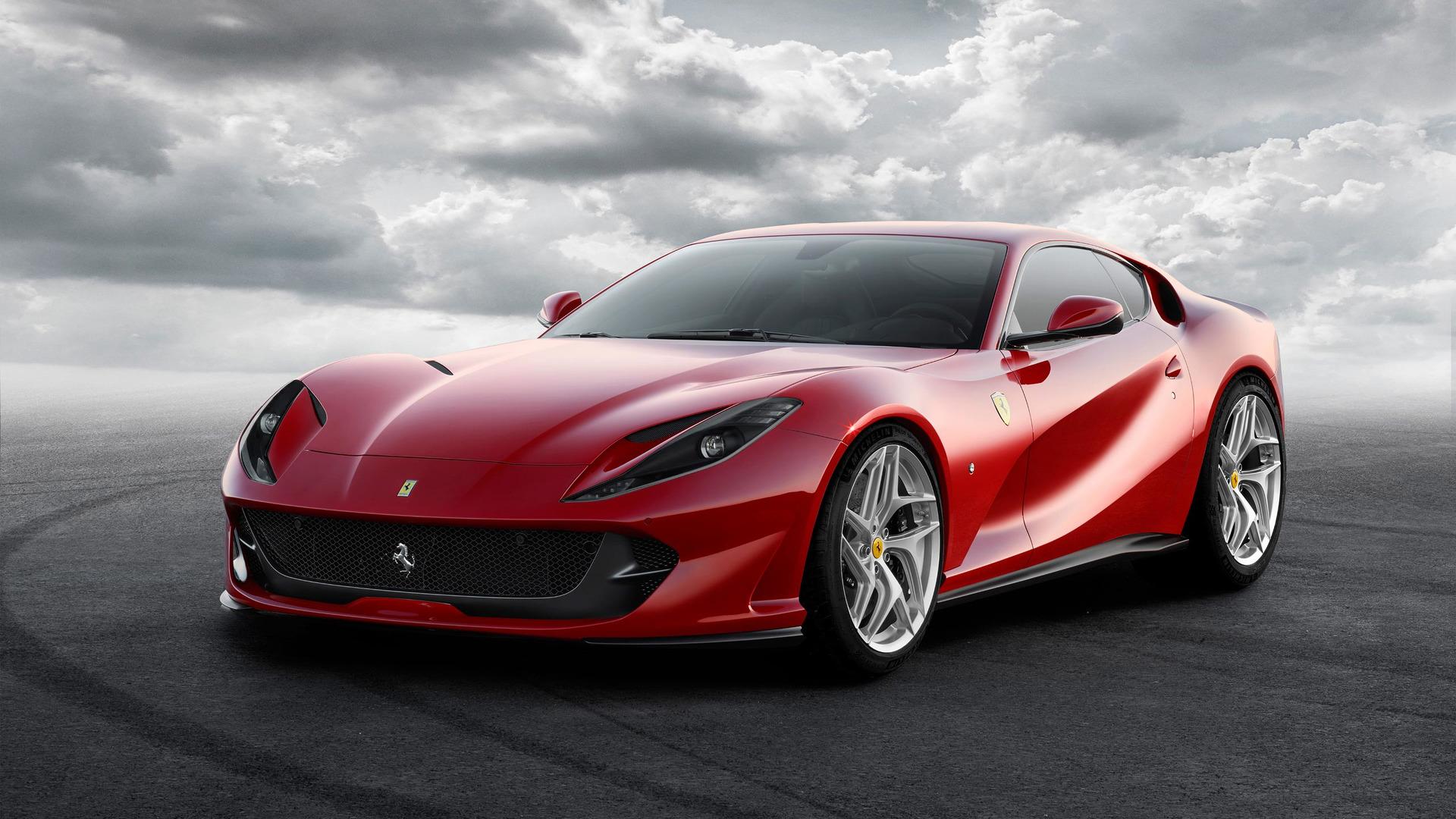 Ferrari predstavit srazu dve novye modeli osenyu11