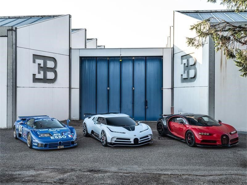 V Kalifornii byl predstavlen novyj giperkar Bugatti1