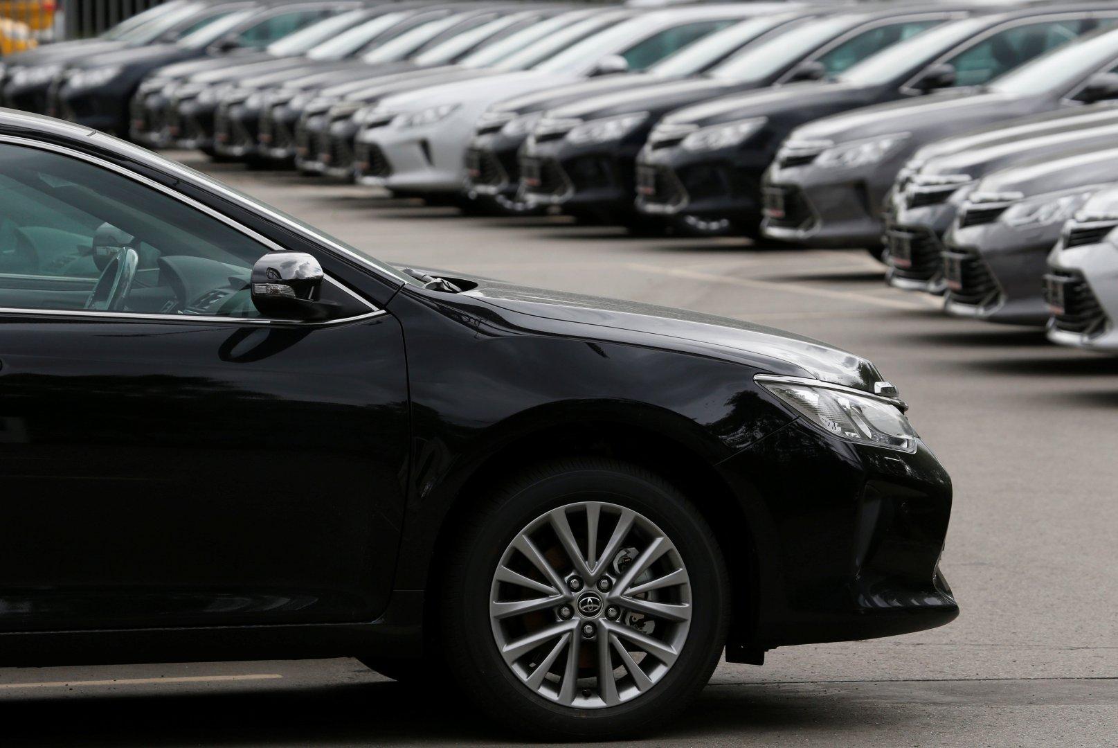 V Rossii budut massovo dorozhat avtomobili 1