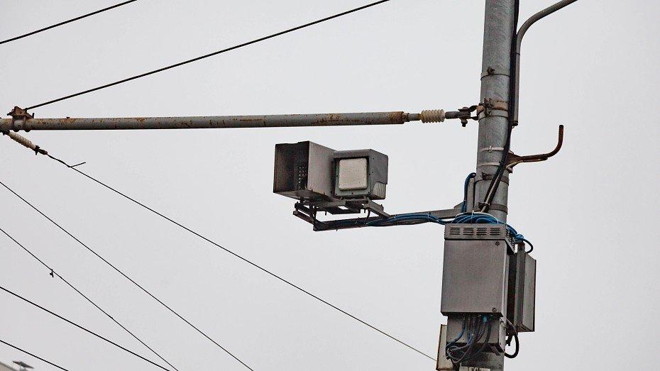Voditelej bez polisa nachali lovit dorozhnye kamery