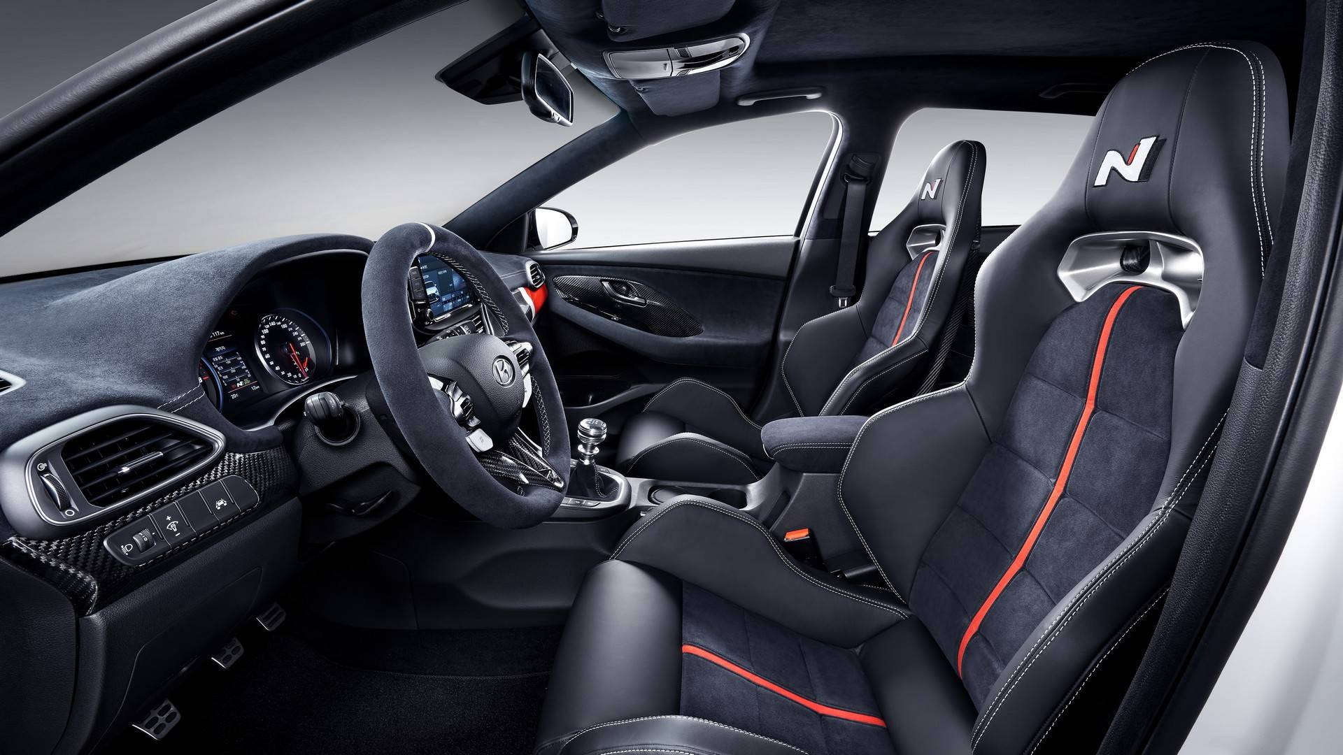 Hyundai i30 N Project C poluchit karbonovyj kapot 1