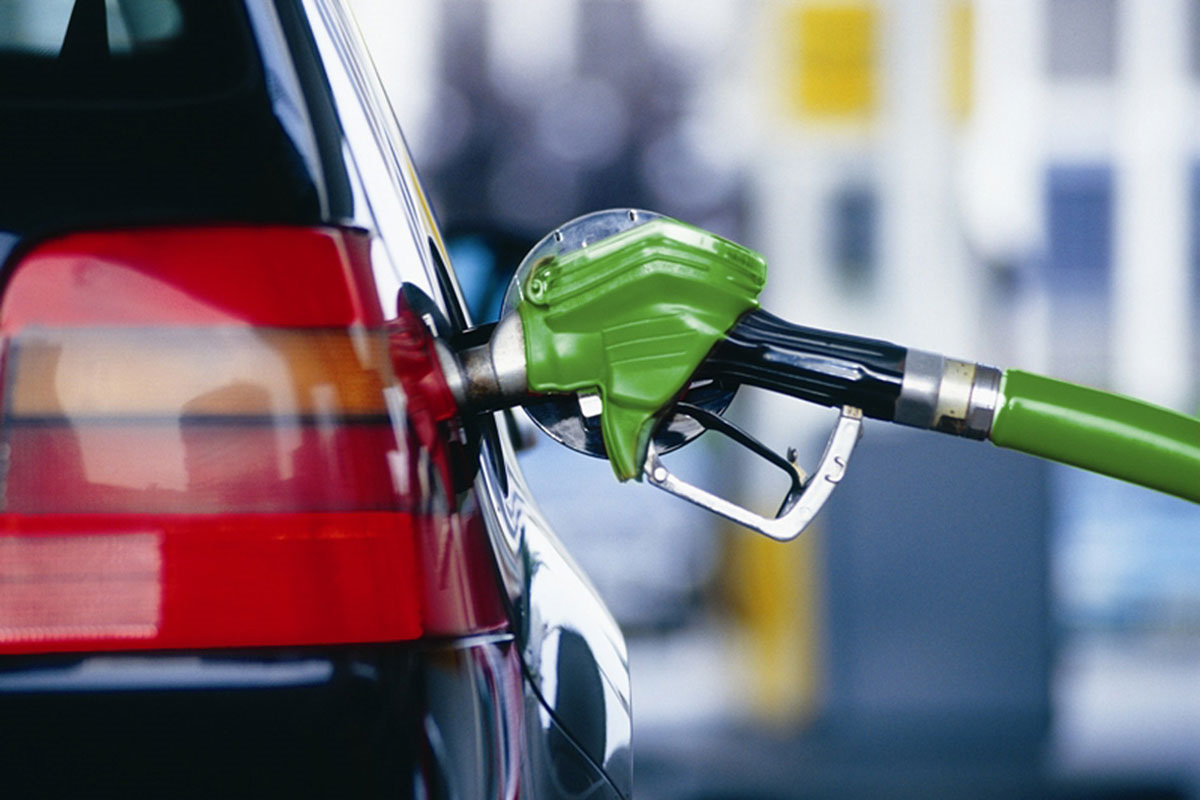 Na kazhdye pyatoj rossijskoj zapravke ne dolivayut benzin