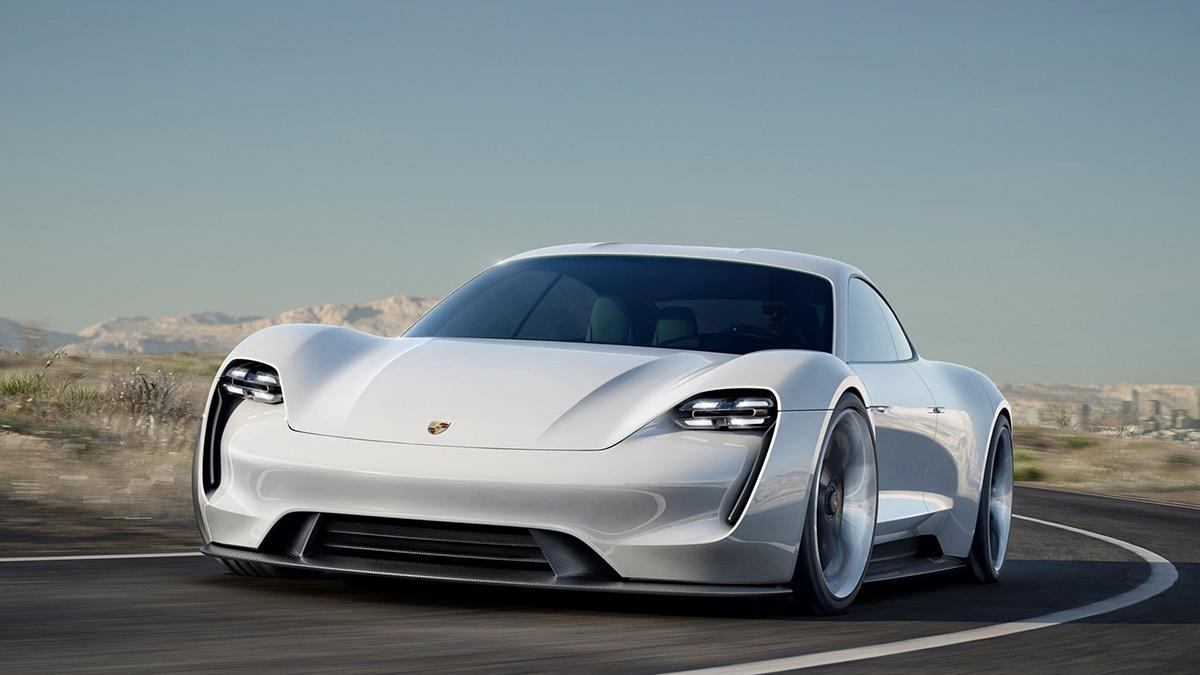 Porsche Taycan proedet tolko 450 kilometrov na odnom zaryade