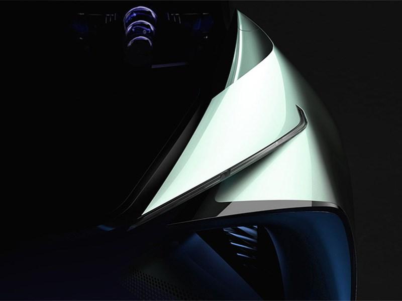 Lexus gotovitsya k premere elektrificzirovannogo hetchbeka