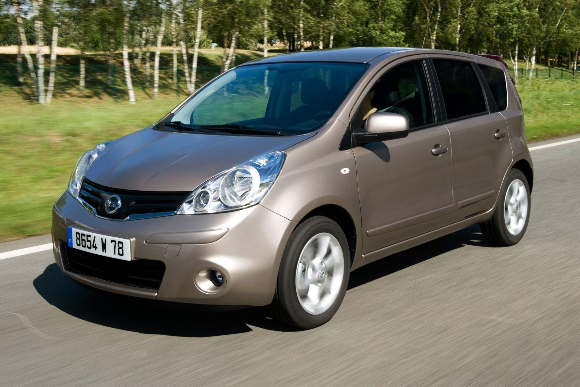 Nissan soobshhila ob otzyve avtomobilej na territorii Rossii