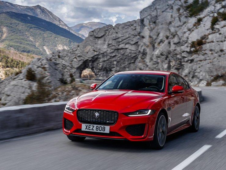 Jaguar HE dobralsya do Rossii