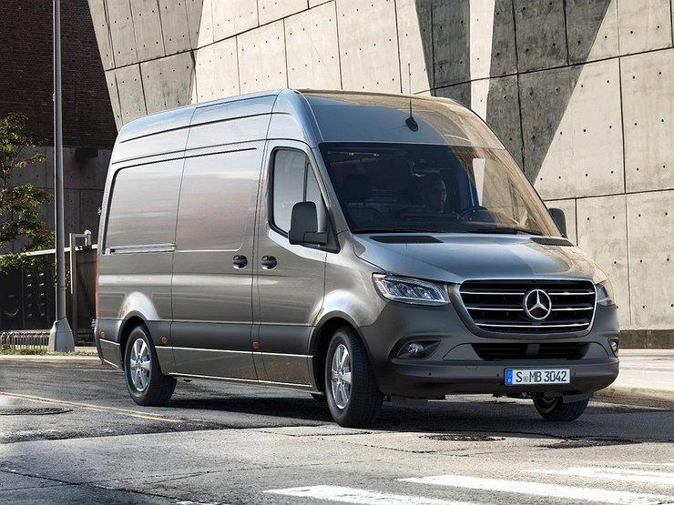 Mercedes Benz otzyvaet avtomobili Sprinter v Rossii