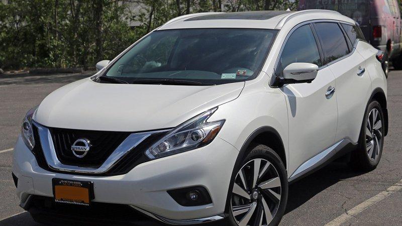 Nissan otzyvaet avtomobili po vsemu miru