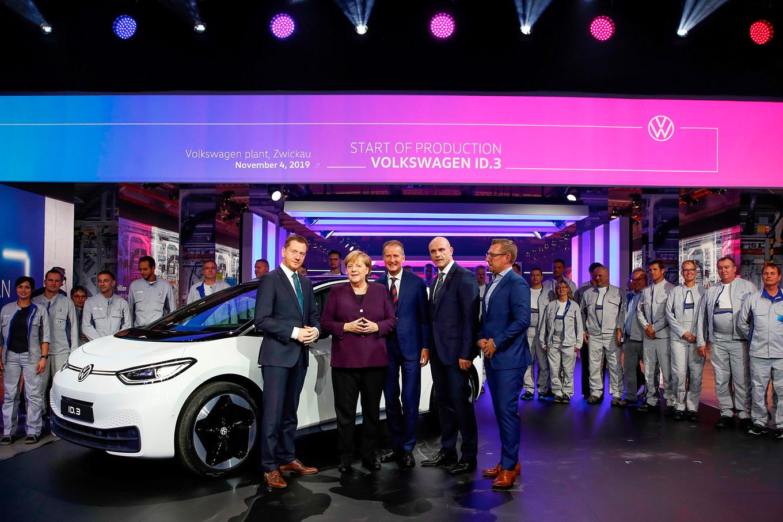 Volkswagen zapuskaet v seriyu elektrokar ID.3