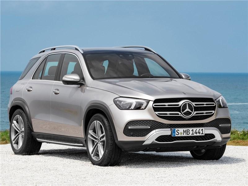Mercedes Benz otzyvaet bolee 1 000 avtomobilej v Rossii