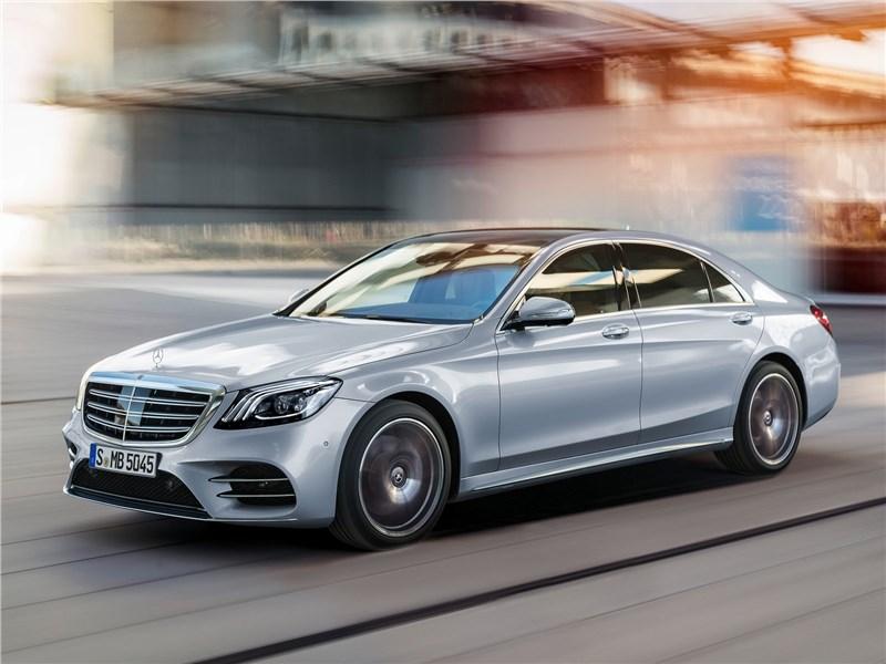 Mercedes Benz otzyvaet bolee 1 000 avtomobilej v Rossii1
