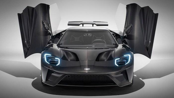 Ford обновил легендарный суперкар GT