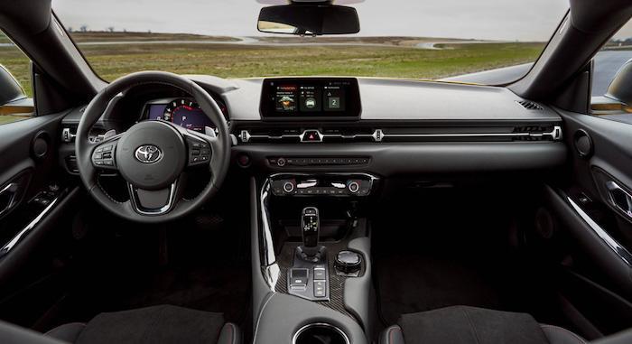 Toyota обновила возрожденный спорткар Supra